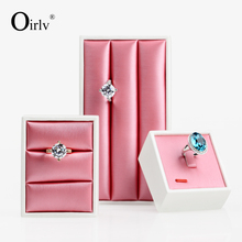Oirlv Custom Logo Wire Drawing Metallic PU Leather Rose Red Mini Jewelry Serving Tray with Ring Roll Rings Display Stand