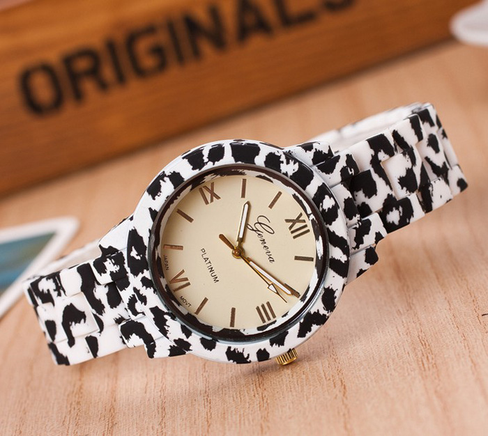 New design fashion jelly geneva leopard print silicone watch