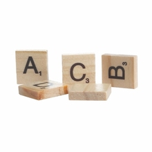 2018 new high quality wooden scrabble tiles uppercase letter board game kids baby educational toy wholesale manufacturer China