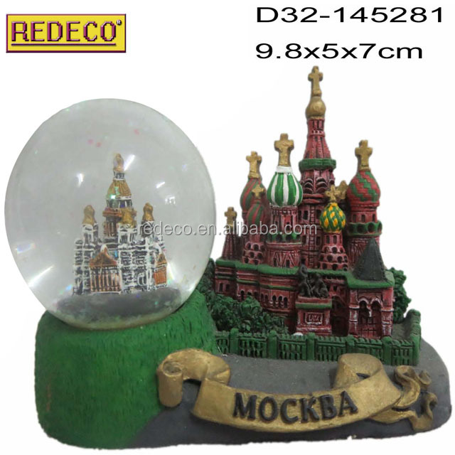 Resin custom snow water globe,funny snow globe for sale