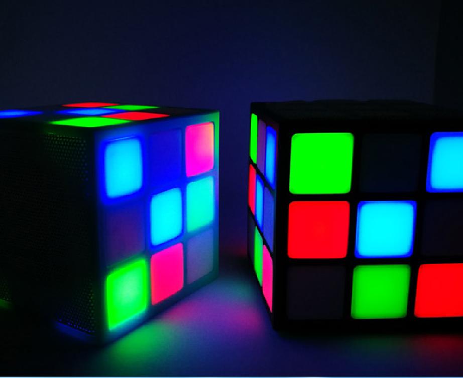 cheaper high capacity bluetooth speaker with flashing light