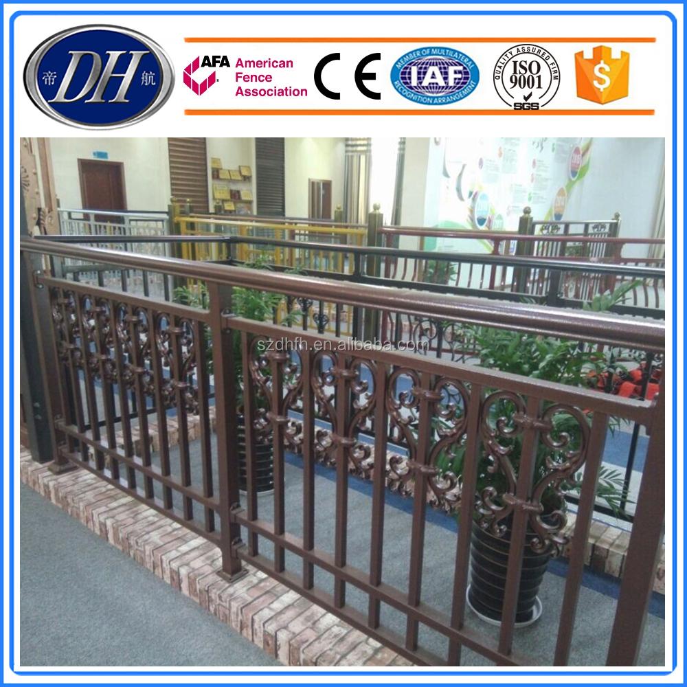 Griglia di progettazione balcone inferriate in ferro battuto per esterni casa scala in acciaio - Progettazione esterni casa ...