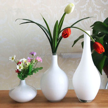 Customized modern simple white flower Ceramic & porcelain vases for home decoration