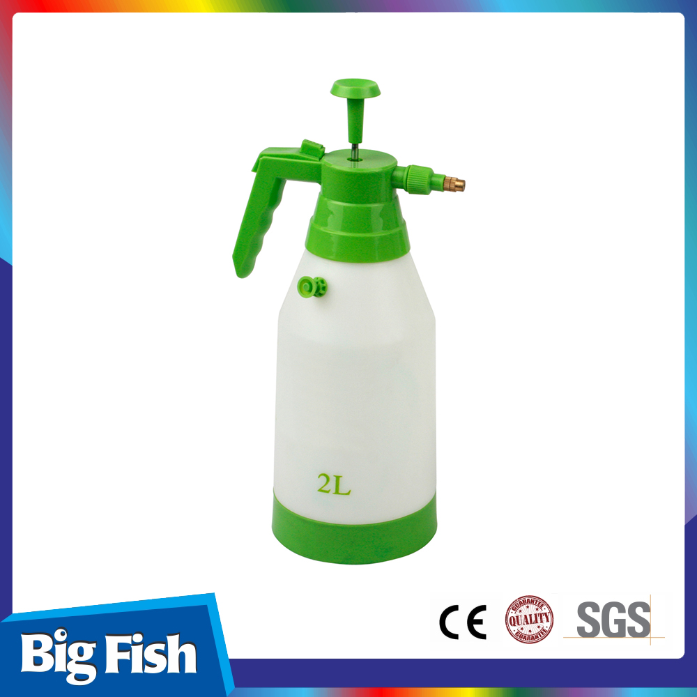 2L Pressure Sprayer Plastic Manual Pump Sprayer With Copper Nozzle For