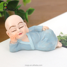Roogo cheap wholesale resin home decoration pieces Kungfu shaolin monk statue figurine