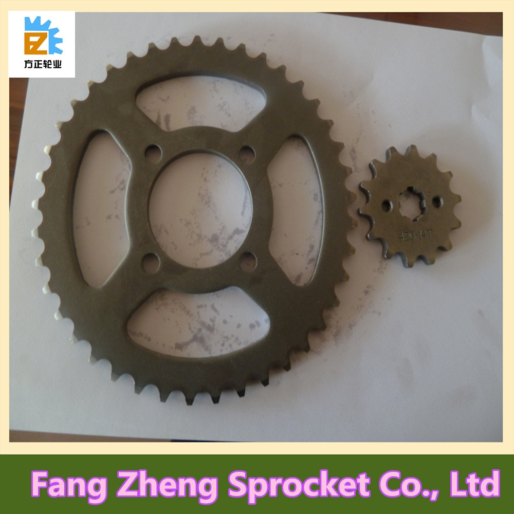 China Motorcycle Spare Parts CD70 Chain and Sprocket