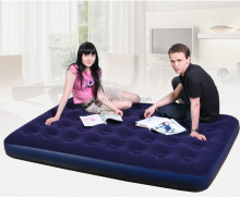factory wholesale OEM welcomed available in 4 sizes free pump inflatable flocked air bed mattress