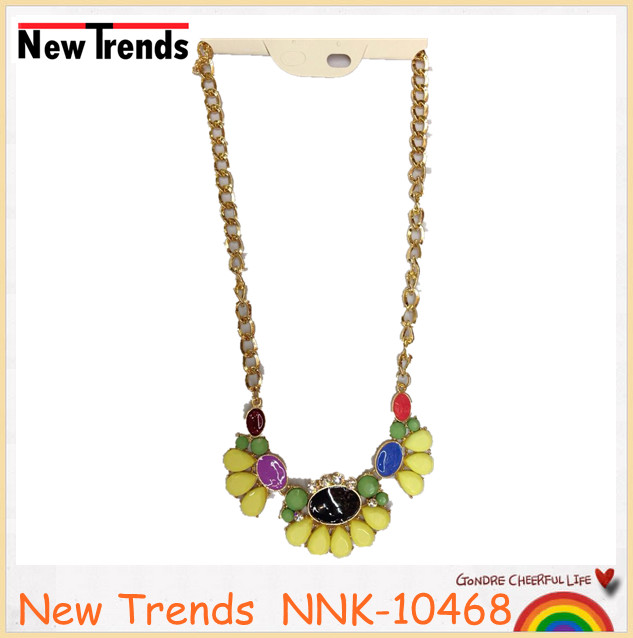 Chunky chain bib necklace with colorful acrylic beads flower