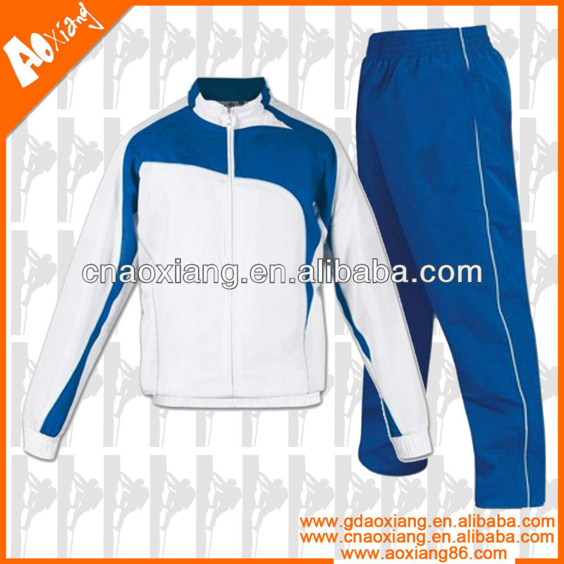 LT18 Customized new design sportswear tracksuit