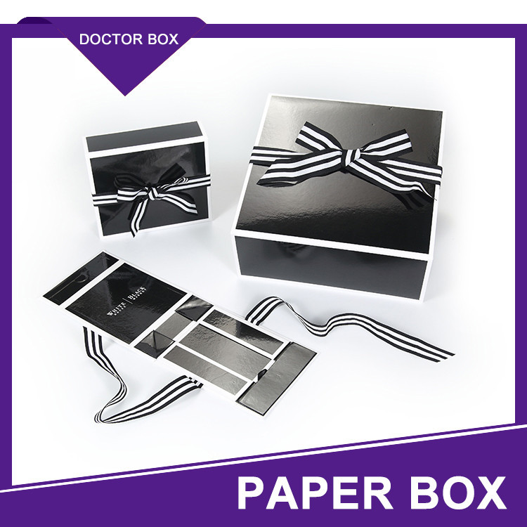 Luxury Cardboard T-Shirt Packaging Boxes / Custom Shirt Boxes
