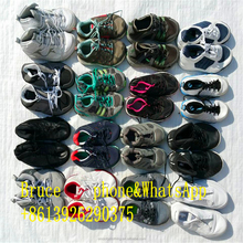 lots of used second hand sport soccer tennis mens shoes in bales wholesale
