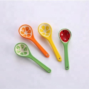 Hot sale fruit design lovely small ceramic decorative spoon for tea coffee measuring