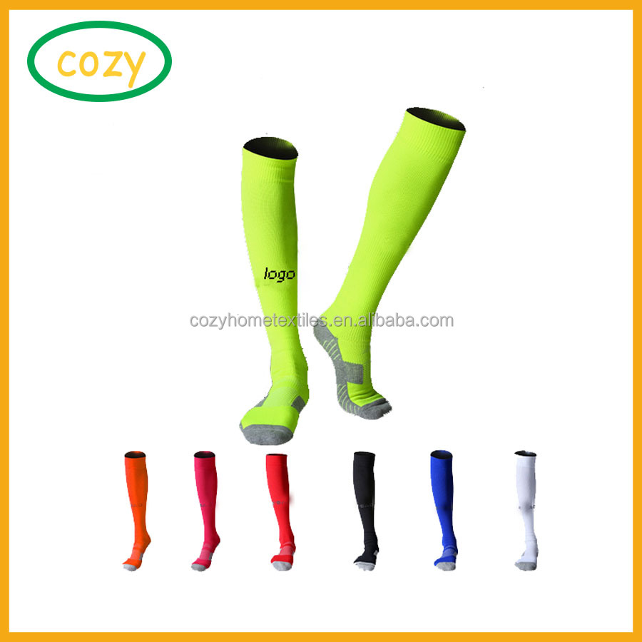 Wholesale 2017 hight quality football socks with low price free shipping custom logo soccer socks