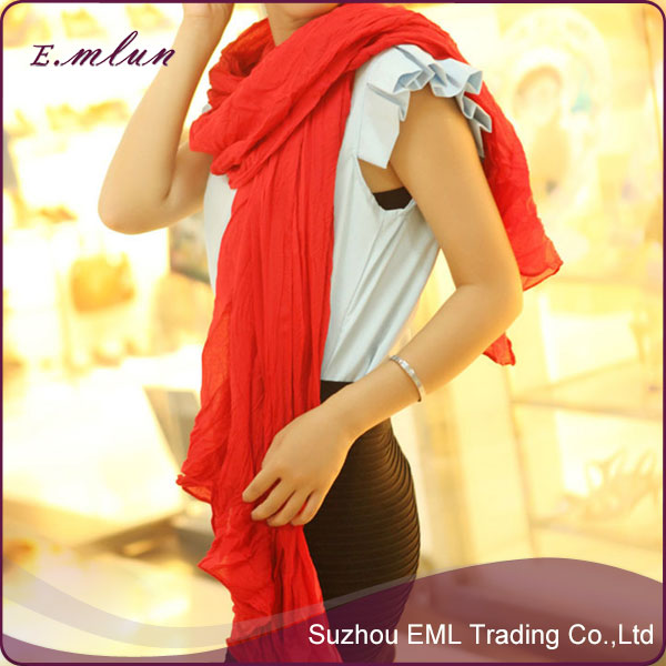 Candy color lovely scarf cotton fold changed lady scarf