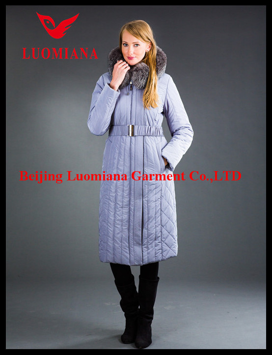 custom till nylon women's padded jacket with fur collar in sangria