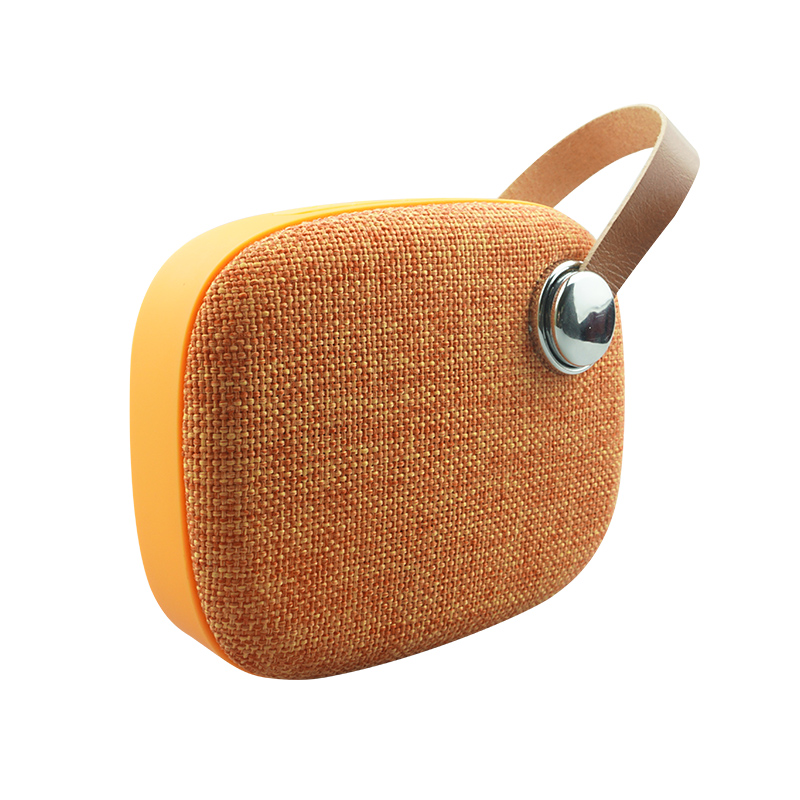 Custom Li-Polymer Portable Mini Speaker With Fm Radio Cloth Cover Fabric Speaker With Leather Handle