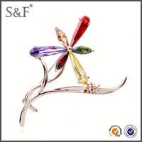 Latest Trendy Design Crystal hat shape brooch pins