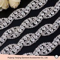 Professional Factory Cheap Wholesale strong packing new flower pattern sew on rhinestone cup chain for wholesale