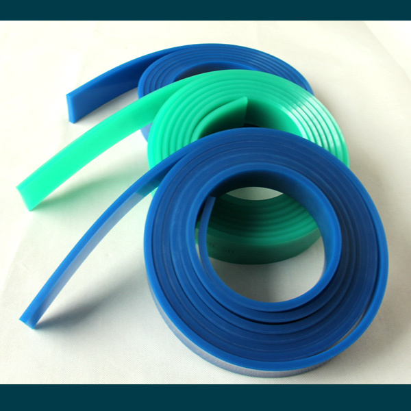 solvent resistant polyurethane squeegee product