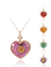 CA342 New Arrival Real Flower Necklace Birthday Necklace Dried Flower Jewelry Heart Glass Bottle Pendant