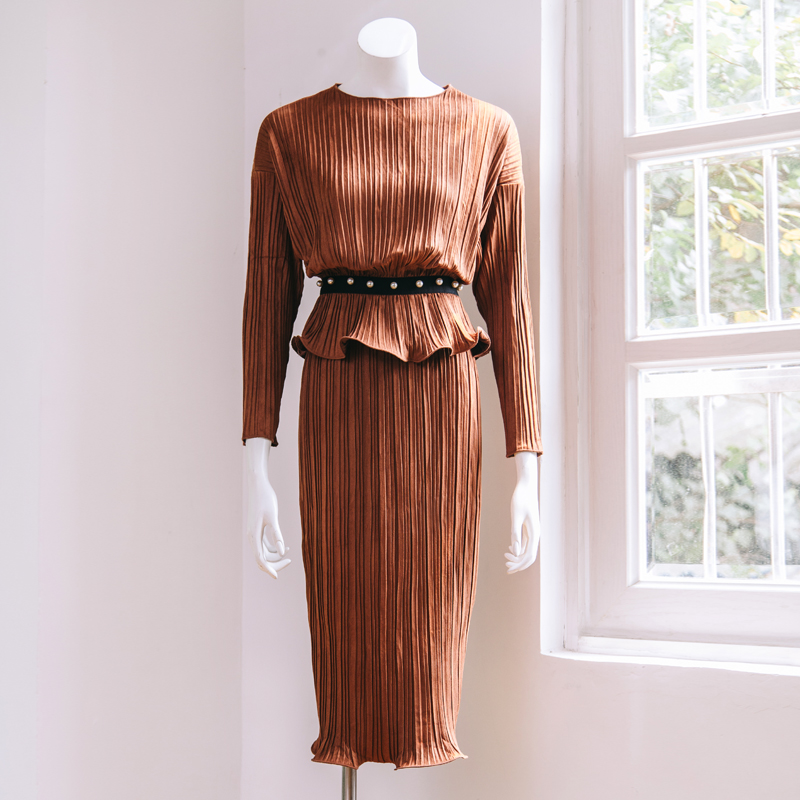 2016 latest design autumn style chamois suede long batwing sleeve falbala waist women skirts suits loose fit pleated set