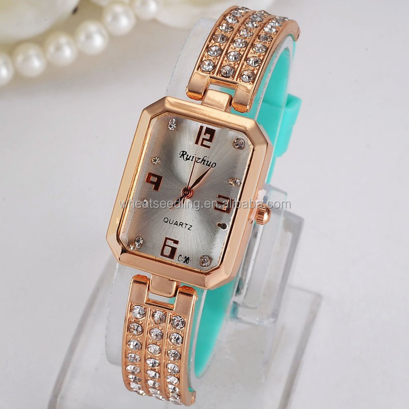 2016Alibaba big face watches for women vintage bracelet watch