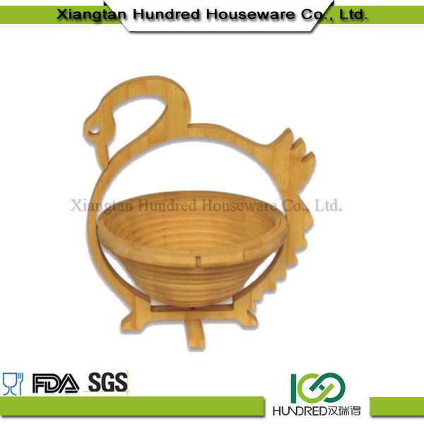 wholesale China import bamboo natural handmade Shape of a swan hanging storage baskets