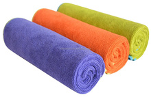 Wholesale low price lint free microfiber towel fabric roll