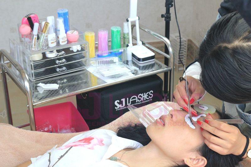 Aeyelash Glue Eye Lash Adhesive With Private Label For Strip Lashes
