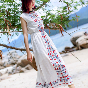 2018 summer new national style embroidery sleeveless dark-sleeved beach  dress