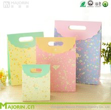 Cheap fresh Floral print gift paper bag with three size