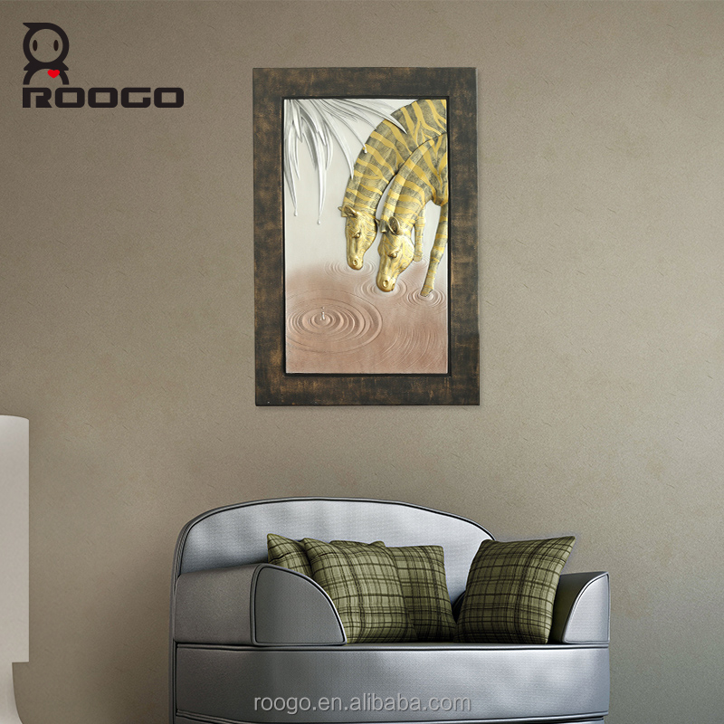 Roogo polyresin big size zebra pinto drinking picture wall board art crafts for home decoration