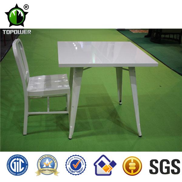 blanc industriel tolix table et chaise de bar en m tal tables antiques id de. Black Bedroom Furniture Sets. Home Design Ideas