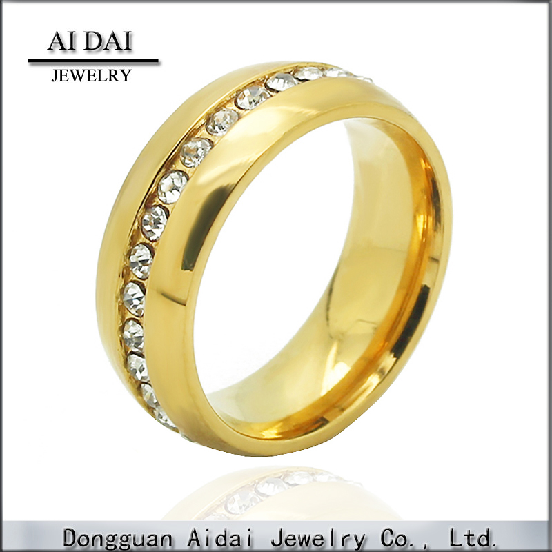 Bustling dazzling diamond-studded gold-plated <strong>ring</strong>
