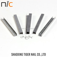 Factory selling Galvanized certification fastening industrial staple 9040
