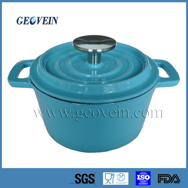 cast iron enamel oval casserole with stainless steel knob