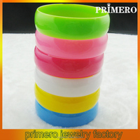 PRIMERO cheap beautiful different color soft blank silicone bangle with logo fashion rubber bracelet bangles Plastic bracelets