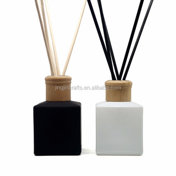 50ml 100ml  150ml 200ml square glass diffuser bottle perfume bottle with wood cap and reeds
