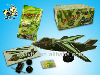 HOT Novelty Assembled 3D Battle Plane Toy Candies