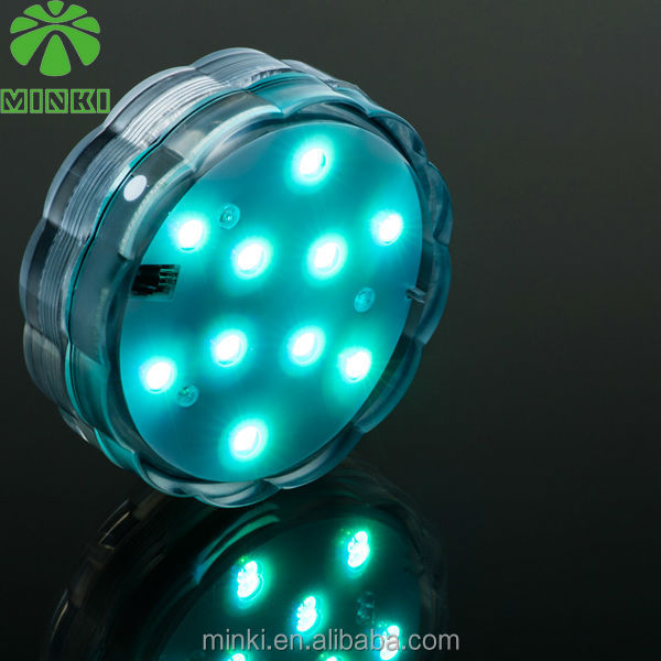 Remote controlled battery operated flashing led submersible lights