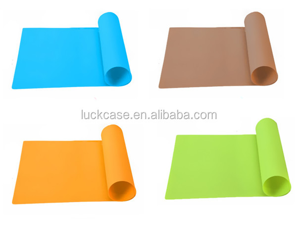 Hot sales high quality printed logo desk pad silicone rubber colorful waterproof pad 40x60cm