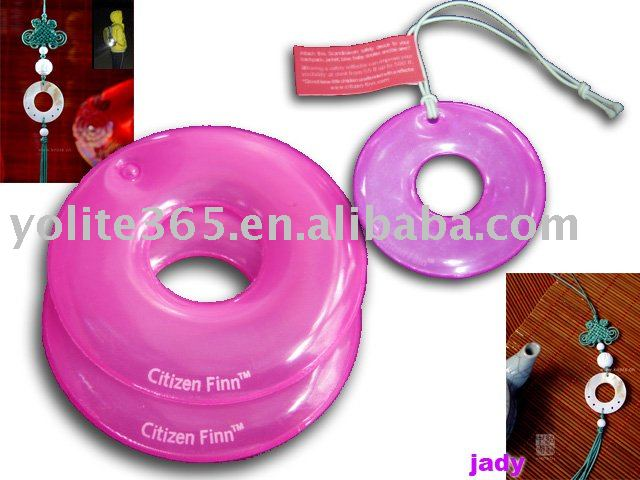 Reflective_Tag_with_Key_Ring_Reflective_PVC_Hanger_and_Warning_Tag