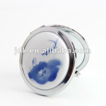 Portable Cosmetic Pocket Mirror With Fresh Design