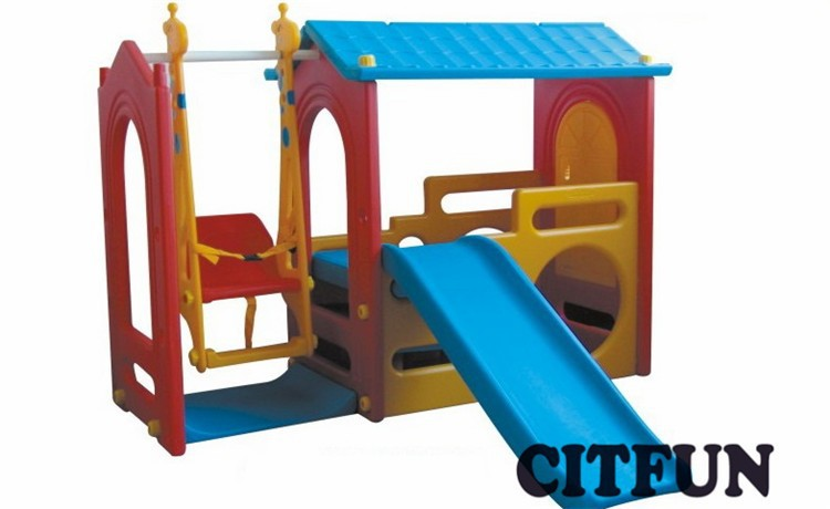 children plastic play house with swing and slide CIT-C2676