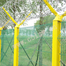 Fence Mesh With Different Post And Accessories