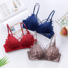 Sexy girl lace no bra on the bra small thin chest gathered gather underwear bra red underwear set