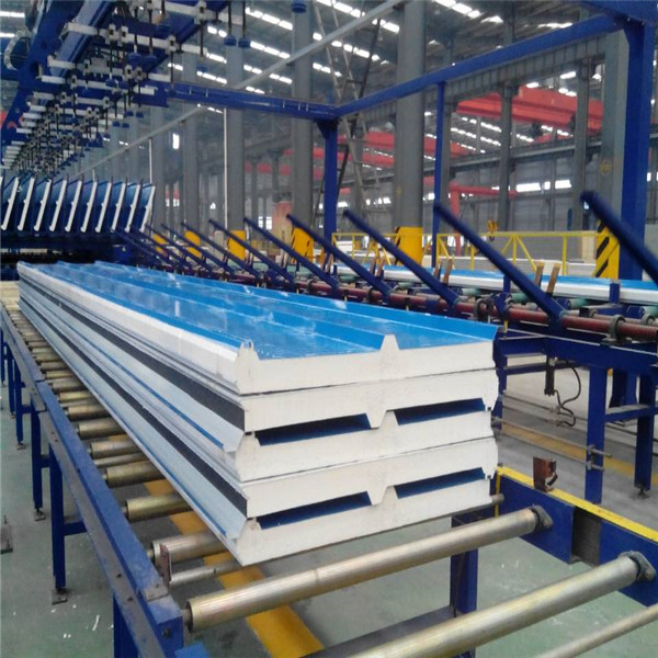 Fireproof Steel Suface PU Foamed Core Sandwich Roof Pannels