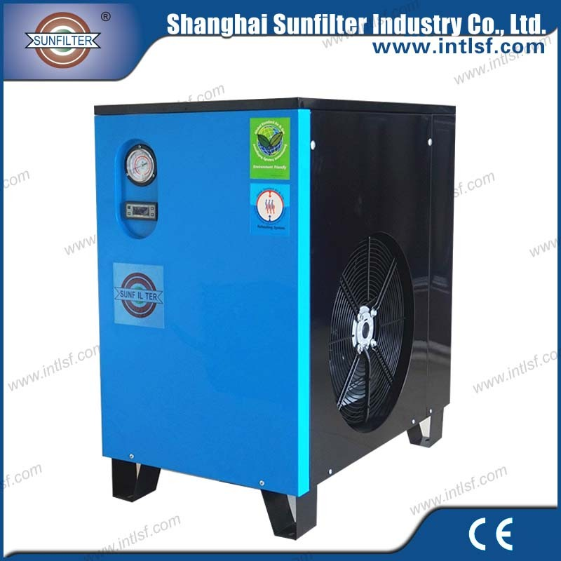 Long service lifetime refrigerated compressor air dryer with membrane