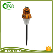 Arts And Crafts Polyresin Raw Material Halloween Pumpkin Solar Led Street Light