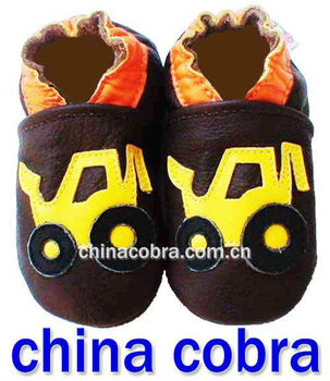 2013 newest design top quality soft sole genuine cowhide leather baby shoes